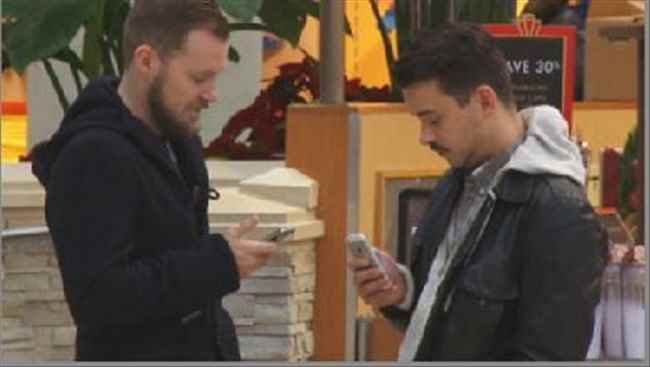 Officers warn shoppers to keep a close eye on cell phones