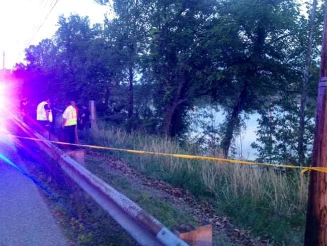 A body was found in the Kanawha River.  Photo Courtesy:  Jessie Shafer, 13 News Reporter.