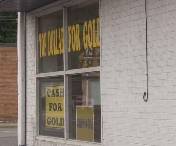 Police in Charleston, West Virginia are investigating an attempted robbery at the Cash For Gold store in Kanawha City.