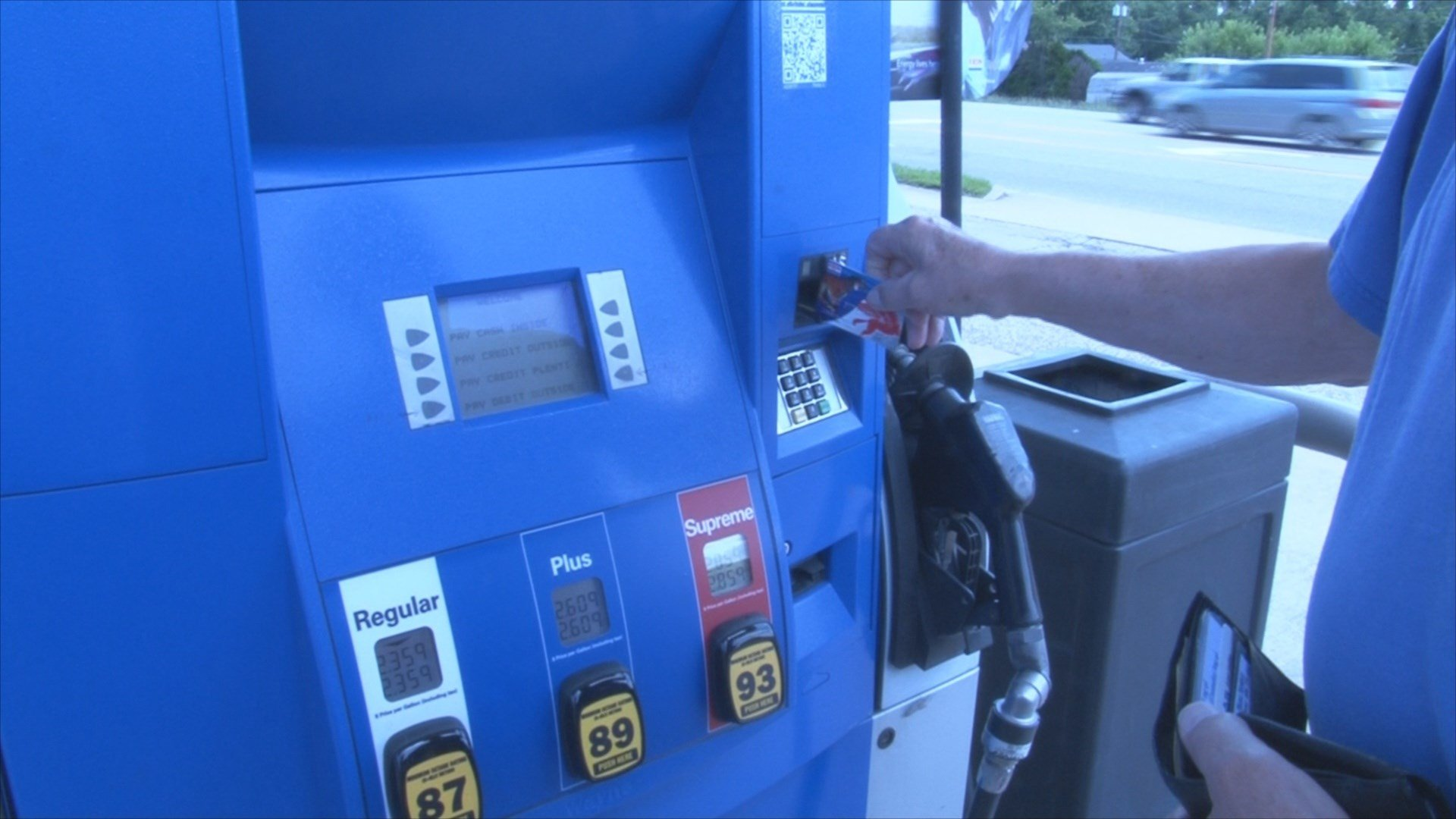 """Protecting your ID from """"skimmers"""" at the gas pump. - WVU ..."""